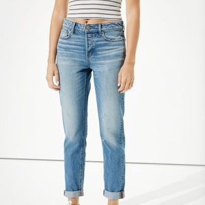 American Eagle Tomgirl jeans size 12